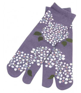 "Flip flop socks for women ""Tabi"" – Kurochiku (Kyoto) – Kodemari  Model – one size 23-25 cm"